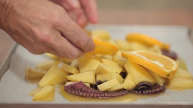 polpo-al-forno-con-patate-allarancia-step-5