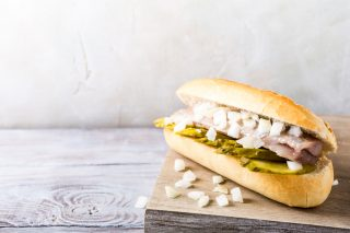 Panino all'aringa: street food olandese