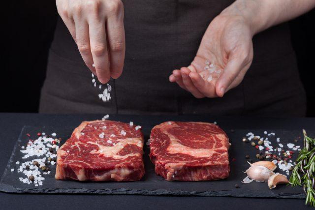 condire la carne