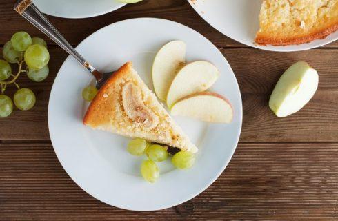 Torta di uva e mele, la ricetta golosa