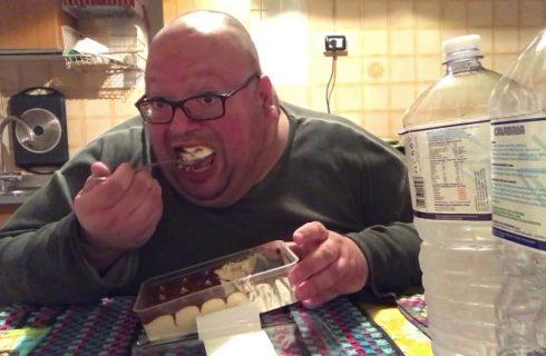 Lo youtuber che rischia di morire di cibo: YouTubo Anche Io