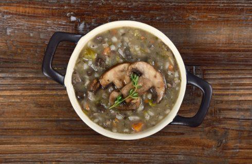 Zuppa di farro e funghi, la ricetta autunnale