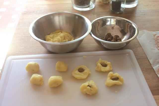 bocconcini-di-tacchino-ripieni-di-olive-e-patate-1
