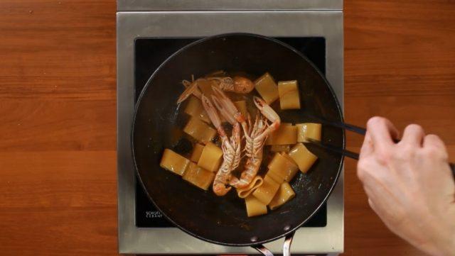 calamarata-scampi-e-bottarga-1
