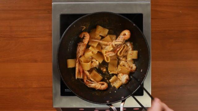 calamarata-scampi-e-bottarga-2