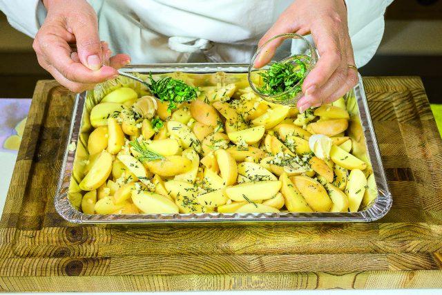 petto-di-pollo-alla-senape-e-miele-con-patate-alle-erbe-aromatiche-e-zenzero-a1899-6