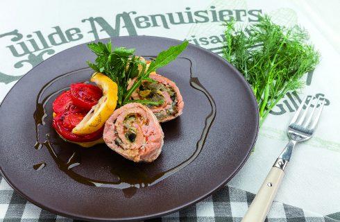 Rotolo di salmone farcito al barbecue: per l'aperitivo