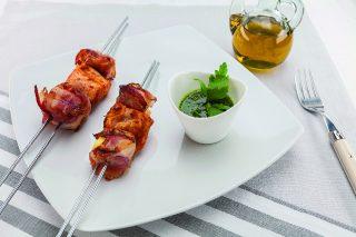 Spiedini di ananas, pancetta e pollo al barbecue