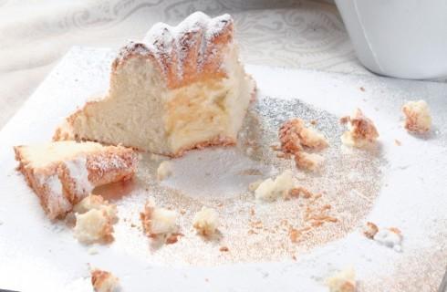 Angel Cake con salsa al cardamomo