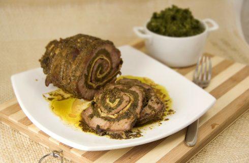 Arrosto di manzo farcito con spinaci e speck: ecco la ricetta