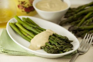 Asparagi tonnati: come antipasto