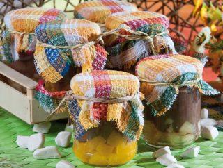 Crema al cioccolato con frutta fresca