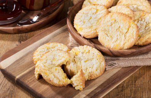 Biscotti al limone morbidi e profumati, la ricetta