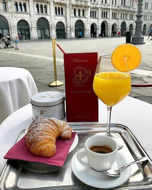 Trieste in 12 ore i locali imperdibili agrodolce - Caffe degli specchi ...