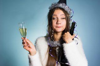 Sopravvivenza tra parenti: l'alcol da avere in casa per superare le feste