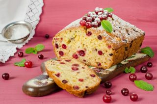 Torta arance e cranberry: dolce dall'aroma intenso