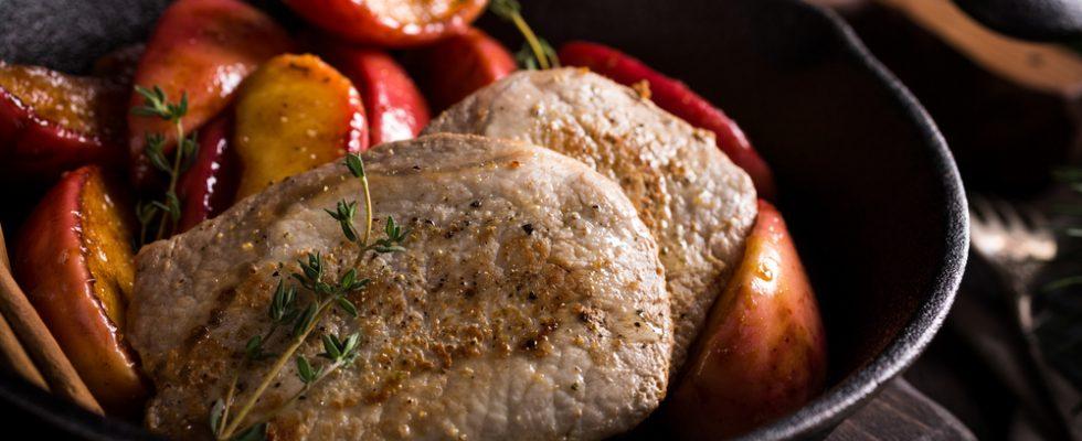 Arista di maiale con mele e patate: per la domenica