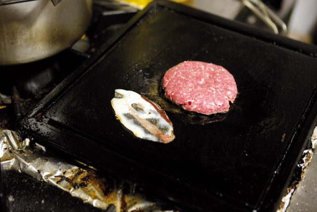 burger-con-pane-alla-paprika-09