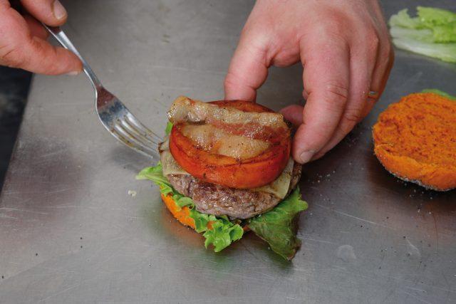 burger-con-pane-alla-paprika-15