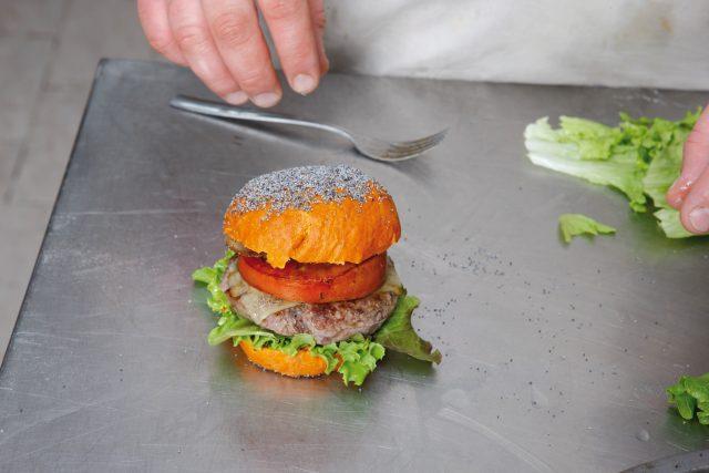 burger-con-pane-alla-paprika-16