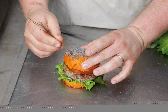burger-con-pane-alla-paprika-17