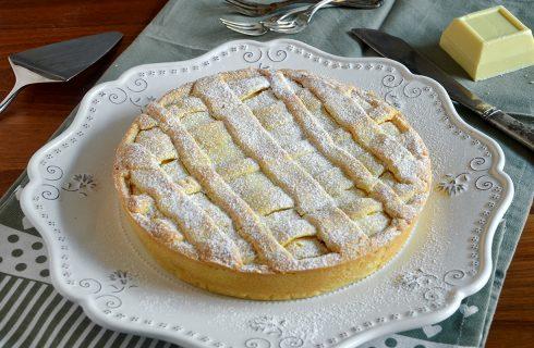 Crostata ricotta e cioccolato bianco: una fetta tira l'altra