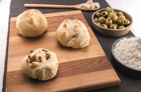Panini alle olive al barbecue: più buoni di così è impossibile