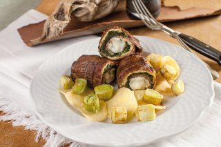 Braciole all'urbinate con chips di patate