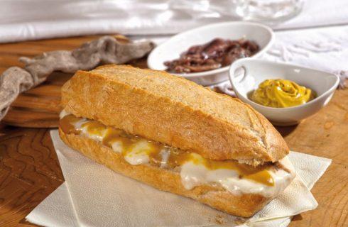 Panino burro salato, mozzarella, alici, salsa di senape e miele