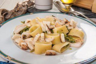 Calamarata con seppie e broccoletti: primo piatto di pesce