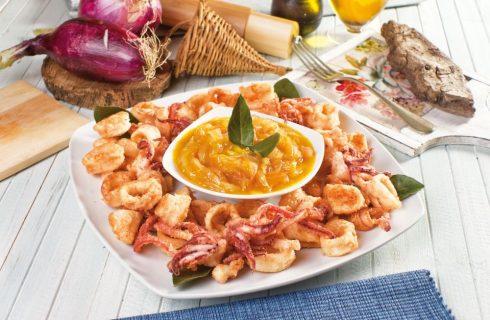 Calamari fritti con composta di arancia e cipolla rossa