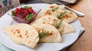 Cheese naan: pane al formaggio indiano