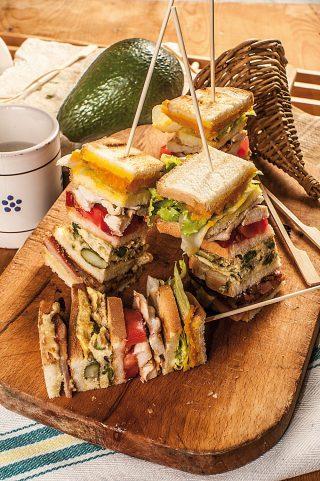 Club sandwich di pollo: per il brunch
