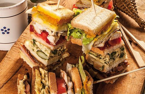 Club sandwich di pollo: per il brunch