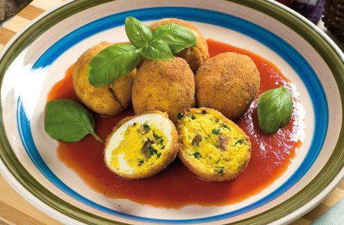 Crocchette di uova sode con salsa al pomodoro