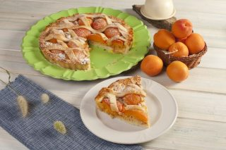 Crostata di albicocche: per la merenda