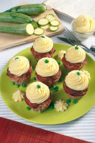 Cupcake di carne con zucchine e piselli