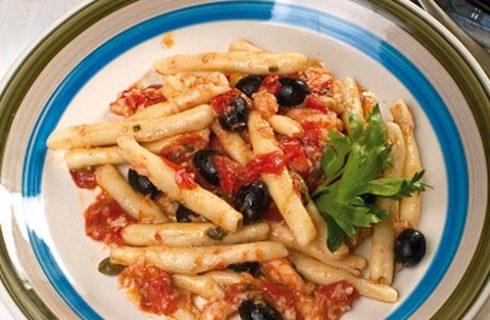 Fileja con sugo di baccalà: per pranzo