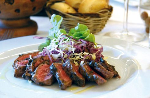 Filetti di vitello alle olive, piatto unico