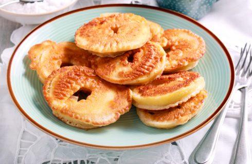 Frittelle di mele al forno: la ricetta di Carnevale leggera e sfiziosa