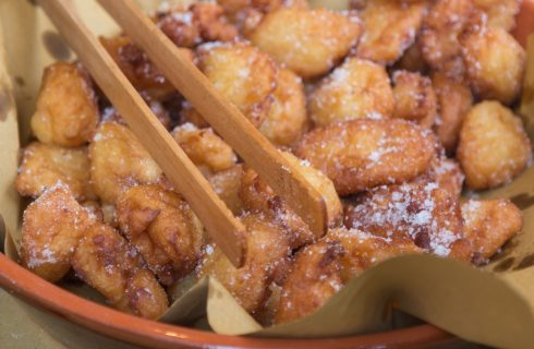 La ricetta delle frittelle di riso al limone per Carnevale
