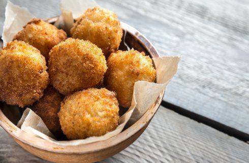Ricette Carnevale: le frittelle salate con riso, zucca e stracchino