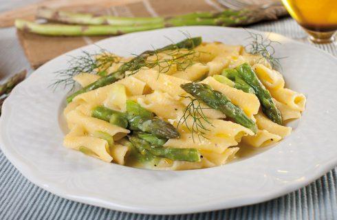 Garganelli tiepidi con punte di asparago e patata