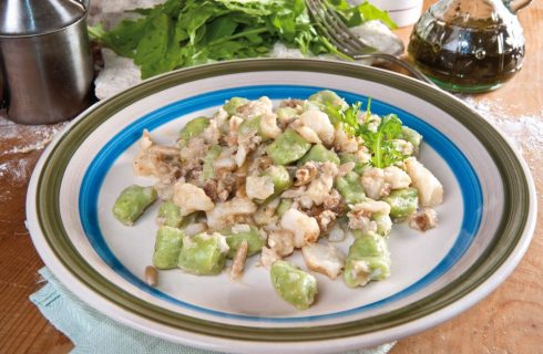 Gnocchi di patate alla rucola con baccalà e bottarga
