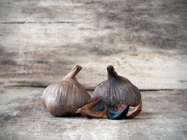 aglio nero