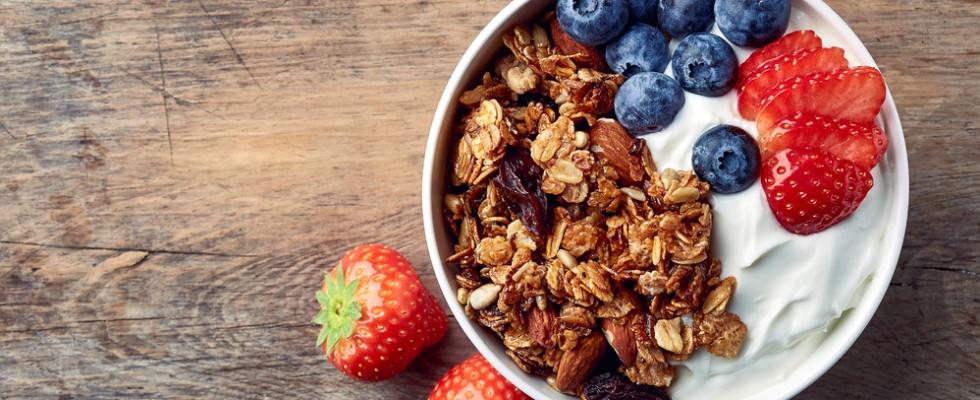 Granola: cos'è e come creare la colazione perfetta
