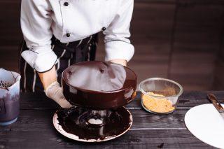 Glassa per torte: tutti i trucchi per renderla impeccabile