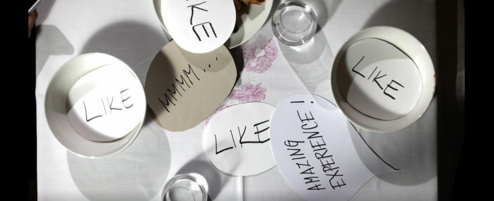Ana Ros a CookBook provoca il pubblico sul tema delle ossessioni alimentari
