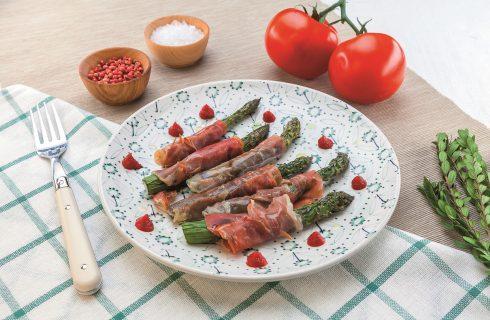 Asparagi con prosciutto crudo al barbecue