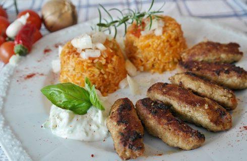 Come preparare le lunghe polpette di carne trita di Trieste